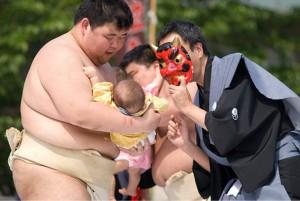 4泣き相撲3